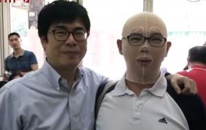高雄氣爆消防員力挺陳其邁被嗆「人格分裂」 鄉民怒火燎原