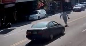碰!85歲阿公開車撞人肇逃 男子命危