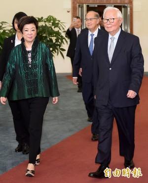 啟程出席APEC領袖峰會 張忠謀:「do my best」