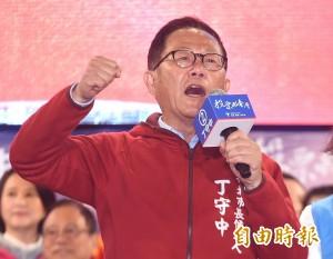 要大家選「拿尿壺市長」… 楊寧亞被起底是反同團體理事長