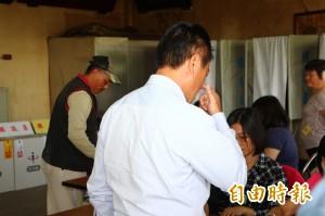 嘉義縣布袋鎮2名8旬阿嬤攜出、撕毀選票