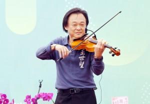 不跳愛河了! 王世堅改到高雄「拉小提琴」拚觀光
