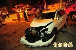 救護車與休旅車對撞 2歲幼童送醫途中二度受傷
