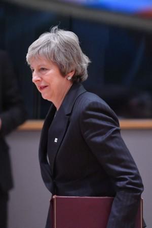 梅伊出席歐盟峰會 承認放棄2022大選