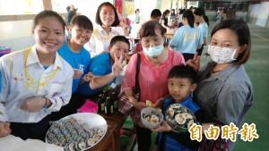 愛環境的「不塑之客」 南榮國中無塑園遊會1300師生響應