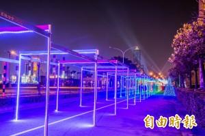 明年高雄燈會提前暖身 百米燈海隧道亮燈