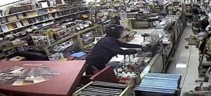 警調千百監視畫面 郵幣社竊案嫌犯現身銷贓就逮