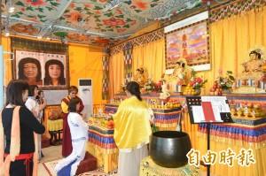「行動佛殿」環島祈福法會抵達高雄 開放信眾參拜