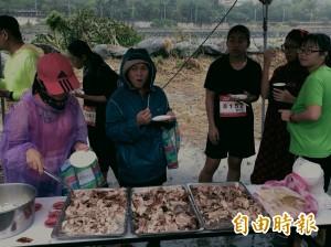 知本溫泉公益路跑   100斤烤乳豬補給