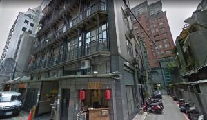 北市公寓女子死逾3週 貴賓狗伴屍、啃咬…