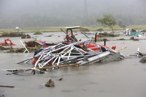 印尼海嘯已釀168死745傷 倖存者:有2波海嘯