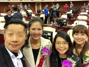 與時力3正妹議員合照 他怕害人不能去香港把自己臉打碼...