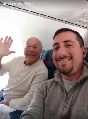 「最暖老爸!」為陪空姐女兒過耶誕 他3天跟飛6航班
