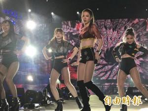 台中跨年晚會 安心亞、伍佰熱唱HIGH翻全場!