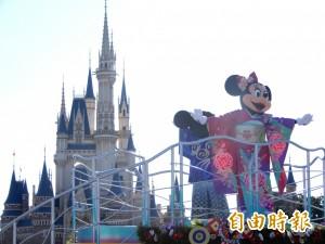 東京迪士尼賀元旦  米奇與米妮和服拜年