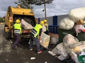 桃市跨年晚會結束 清潔隊員清6噸垃圾