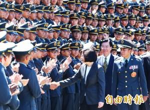校歌「黨旗飛舞」陸官預算遭凍 陸軍:校方決議不改詞