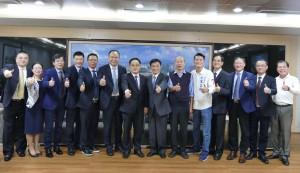 兩蔣故鄉組團參訪高雄 許崑源、韓國瑜樂見互動