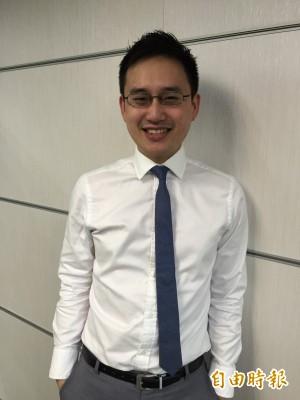 國民黨批口譯哥空降領高薪 反被溫朗東一句話嗆爆