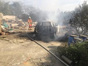 休旅車爆炸2人成焦屍 車上找到3汽油桶