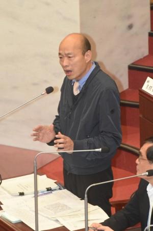 韓國瑜要清潔工、老師到議會備詢 教育產業工會批「嘴砲魚」