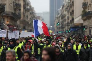 法國黃背心邁入第10週 馬克宏開全國會談成效不彰