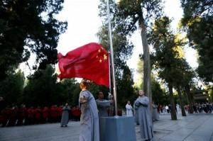 打造具「中國特色」的宗教 佛教徒被逼升旗唱國歌