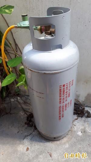 當心!市售塑膠瓦斯管線抽查 12件標示全不合格