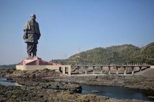 世界最高雕像逼走300隻鱷魚 印度政府挨轟