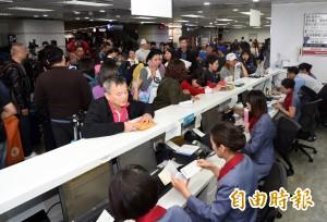 機師罷工旅客權益 消基會:華航需免費辦理退費和轉簽