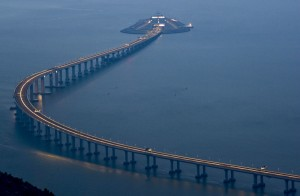 港珠澳大橋建材測試造假案 證人坦承以鐵柱替代混凝磚