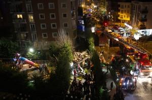 土耳其軍用直升機墜毀市區 機上4人死亡