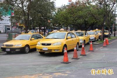 宜蘭縣偏鄉需求反應式公車成效不佳 擬改推「小黃公車」