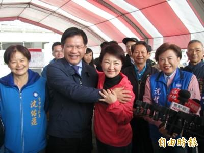連串「龍規燕不隨後」 林佳龍、盧秀燕竟上演「世紀抱抱」
