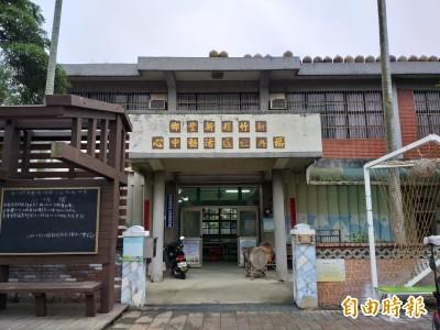 再飄檜木香!新豐福興社區活動中心國寶窗 民眾學修復全保留