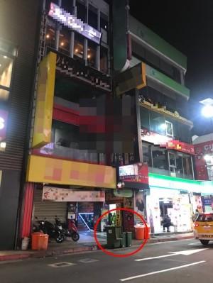 女嬰屍疑被扔西門町店家廚餘桶 警鎖定關鍵黑衣男子