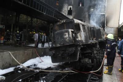 埃及火車出軌28死、逾50傷 原因曝光:2司機吵架引發
