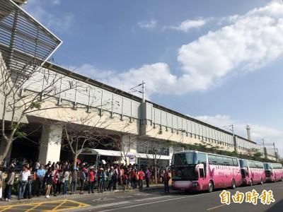 台灣燈會最後兩天 潮州火車站「等10分鐘就有車」