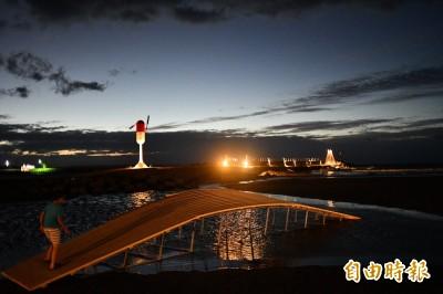 不讓台灣燈會獨美 落山風藝術季夜景同樣迷人