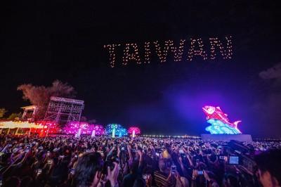看不過癮! 台灣燈會Intel無人機 明年再來屏東