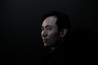中國招募穆斯林抓捕穆斯林  前新疆輔警痛陳再教育營是監獄