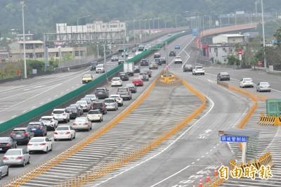 分散人潮新措施  清明連假前一週末國道通行費打7折