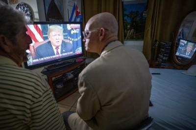 電視少看些!研究:老人看太多電視會加速記憶力衰退