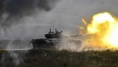 劍指何方? 俄媒:中國解放軍用俄T-90坦克做靶標...