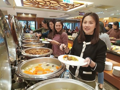 婦女節慰勞超人女警 平鎮分局宴請歐式自助餐