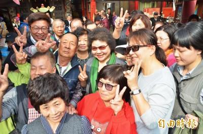 陪郭國文拜票粉絲簇擁 陳菊:我對台南鄉親有信心