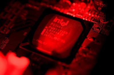 中國投資加偷竊40年 美智庫:尷尬無法製造高端晶片