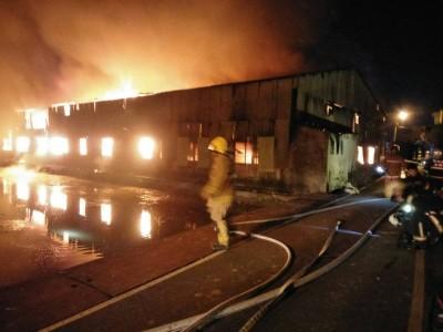 竹北木材廠驚傳惡火 1男員工50%燒燙傷送醫