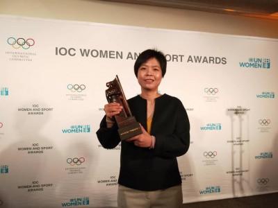 台灣第一人!「通靈少女」劉柏君紐約獲國際奧會女性與體育獎