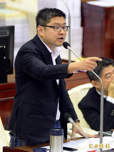 登記立委初選 徐弘庭:賴士葆這年紀選舉是折磨
